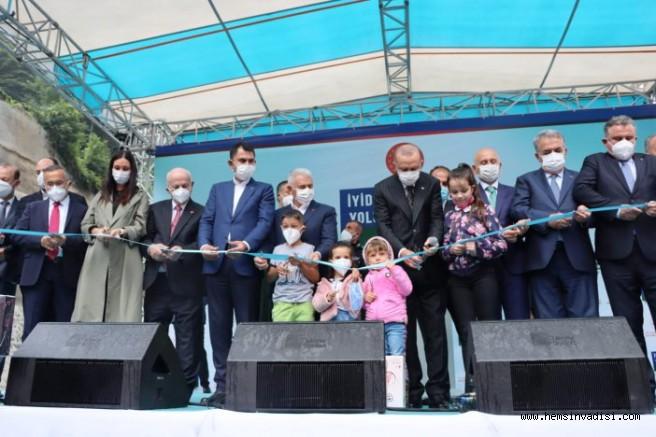 Cumhurbaşkanı İkizdere Tünellerinin Açılışını Yaptı