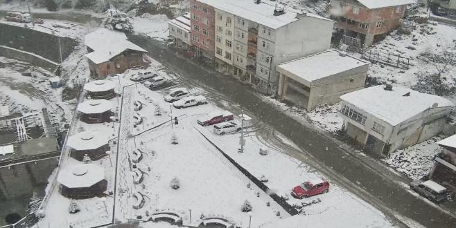 Rize'de kar yağışı hayatı olumsuz etkiliyor