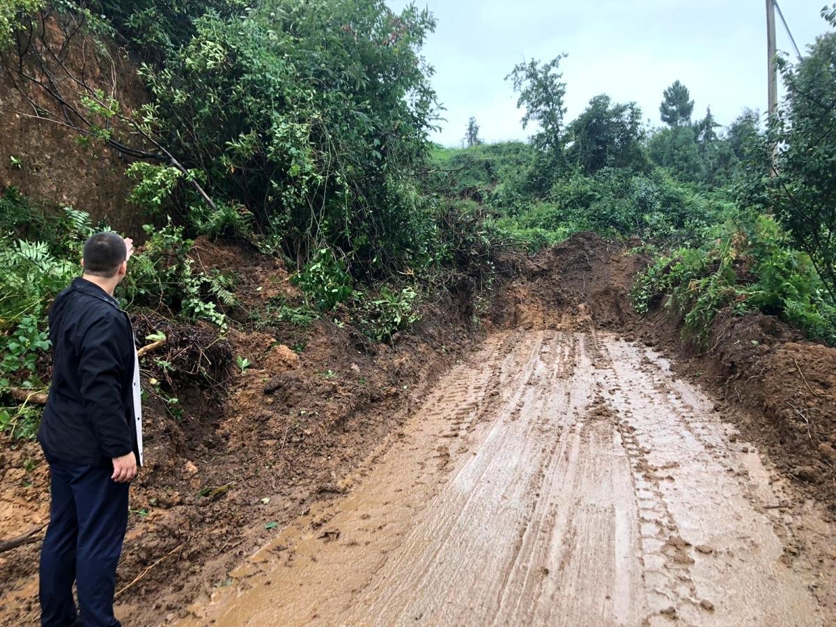 Rize'de 48 köy yolu heyelan nedeniyle ulaşıma kapandı